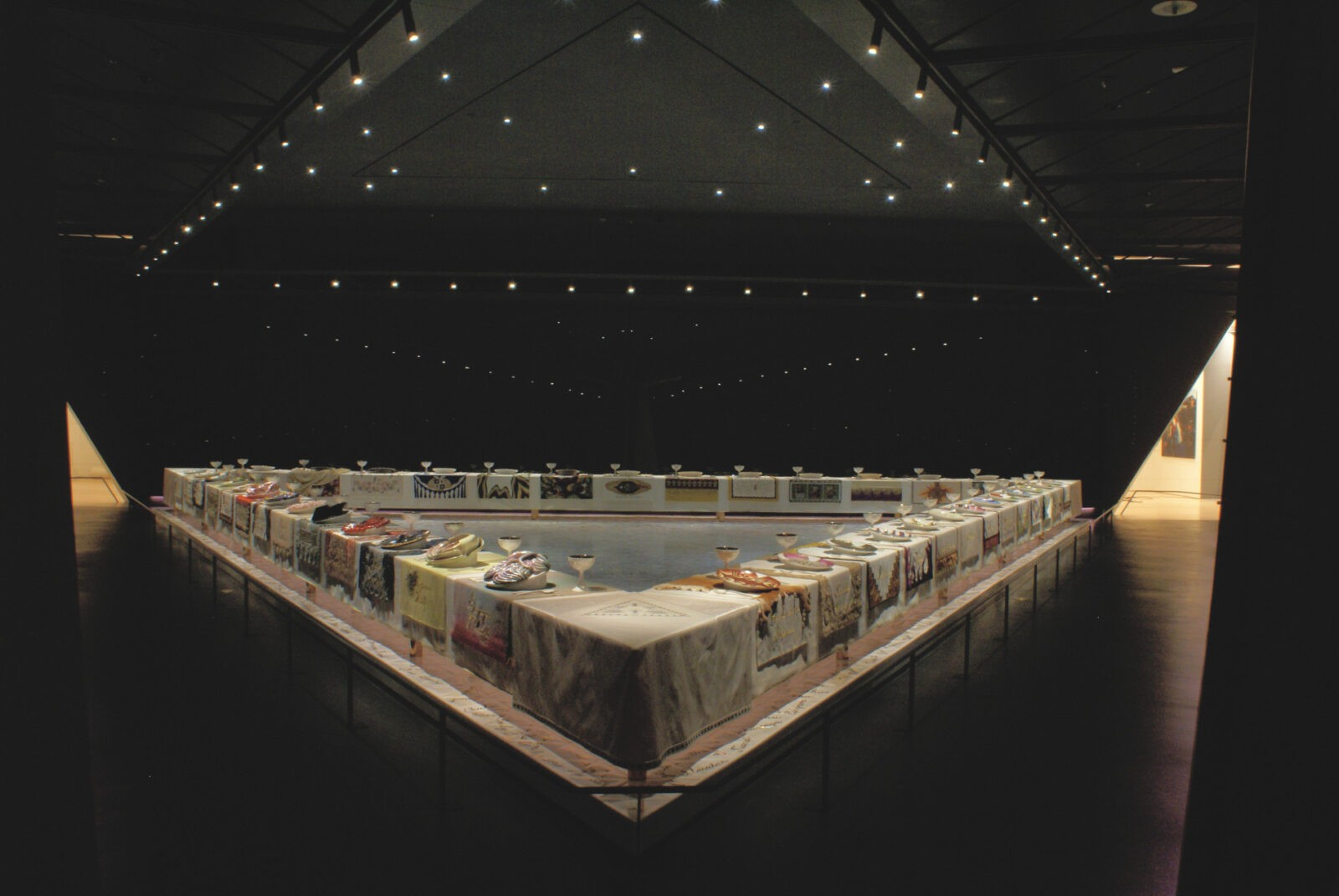 the dinner party judy chicago Judy chicago is an artist,  a feminist art and art education program in california during the early 1970's, and for her monumental work the dinner party, .